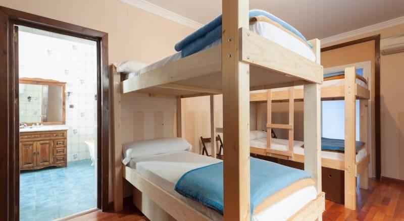 Feel Hostels City Center