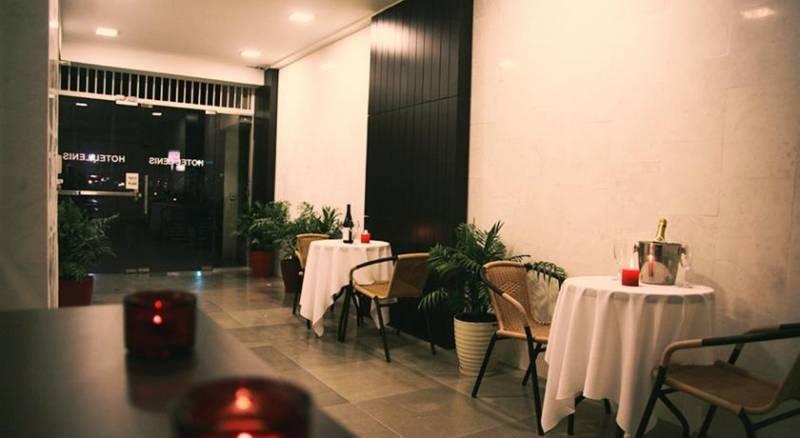 Lenis Hotel