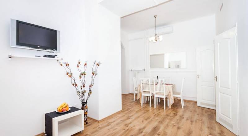 Like Home - City Center - Style Apartment