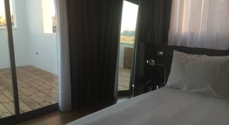Olympia Hotel - by Zvieli Hotels