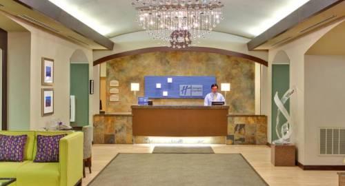 Holiday Inn Express & Suites Las Vegas I-215 S Beltway