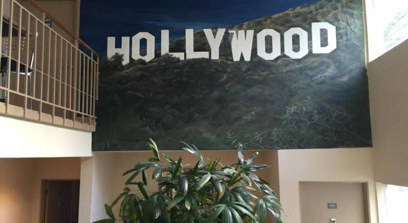 Hollywood Orchid Suites