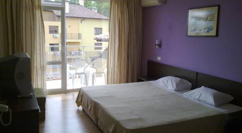Valeo Hotel