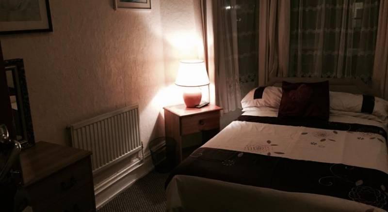 White Lodge Inn