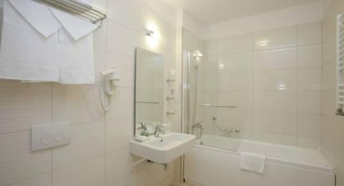 Best Western Plus Mari Vila Hotel