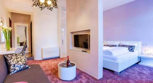 Starlight Luxury Rooms