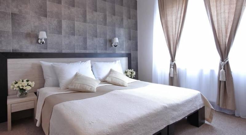 Hotel Vozarev