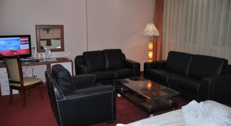 Royal Hotel & Spa