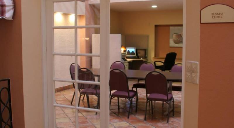 Barcelona Suites Albuquerque