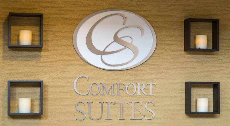 Comfort Suites North Fossil Creek