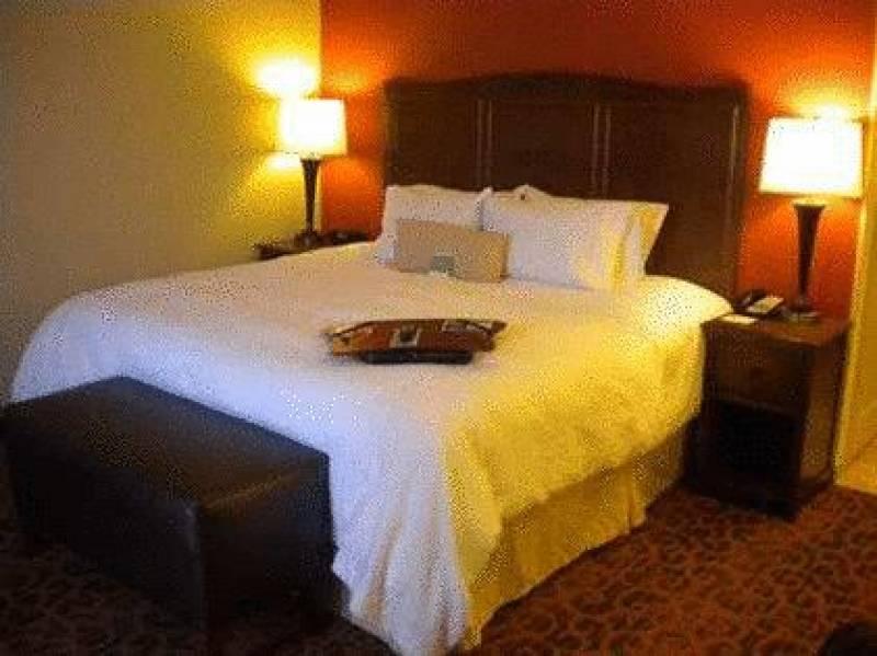 Hampton Inn & Suites Cincinnati / Uptown - University Area