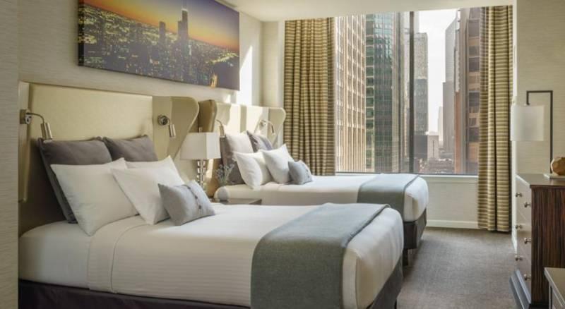 MileNorth Chicago Hotel