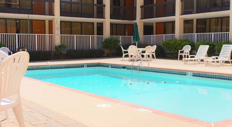 Quality Hotel Conference Center College Park