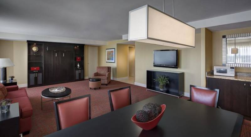 Renaissance Baltimore Harborplace Hotel, A Marriott Luxury & Lifestyle Hotel