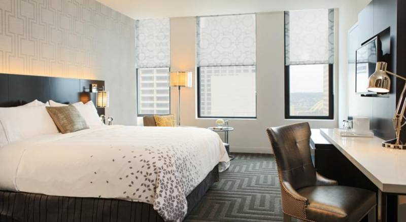 Renaissance Cincinnati Downtown Hotel, A Marriott Luxury & Lifestyle Hotel