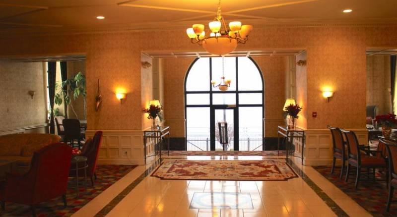 Roberts Riverwalk Urban Resort Hotel