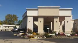 Days Inn & Suites Cincinnati