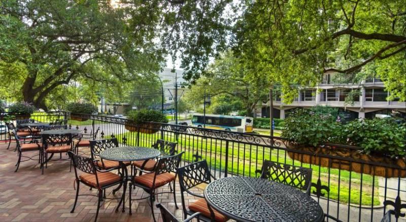 Avenue Plaza Resort