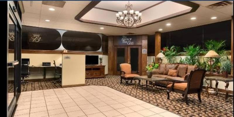 Best Western Plus Broadway Inn and Suites