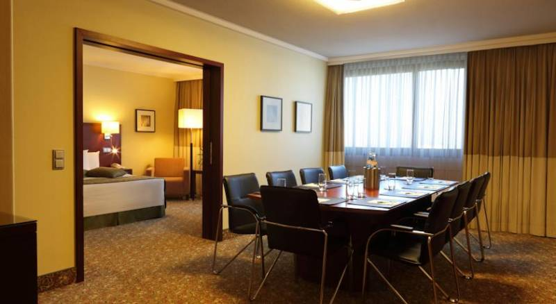 Courtyard by Marriott Düsseldorf Seestern