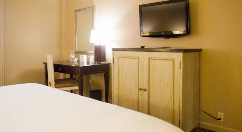 Dauphine Orleans Hotel