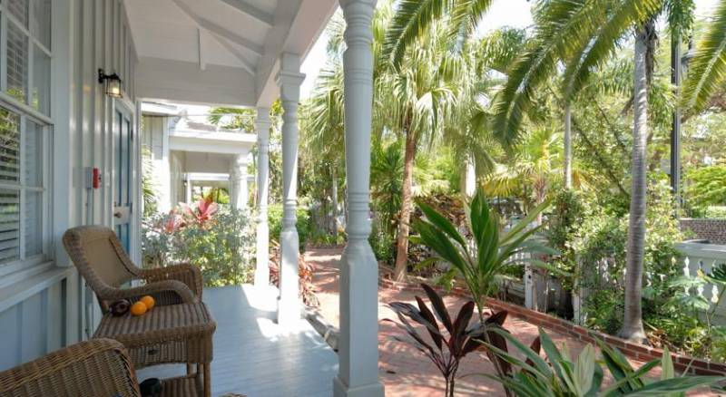 Lighthouse Court Hotel - Key West