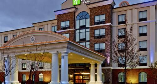 Holiday Inn Express Nashville-Opryland