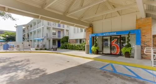 Motel 6 Houston West - Energy Corridor