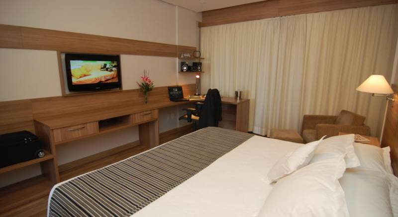 Everest Porto Alegre Hotel