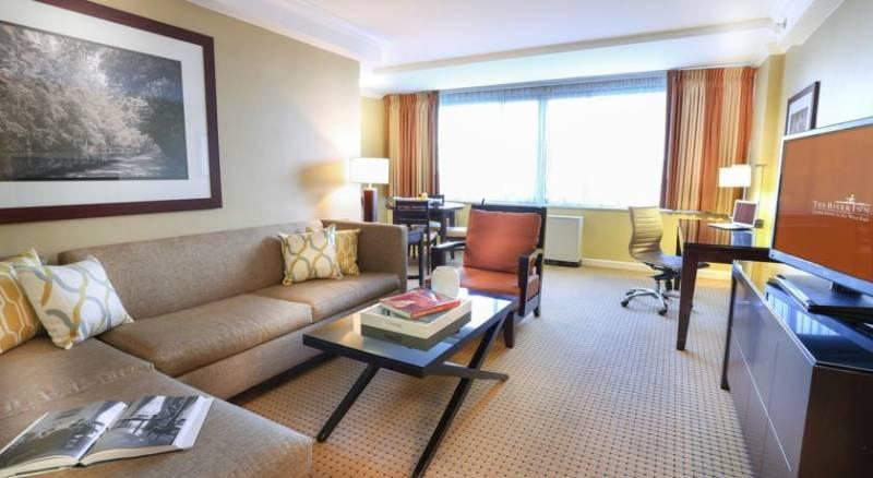 The River Inn-A Modus Hotel