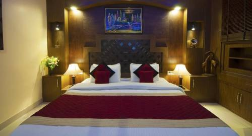 Airport Hotel Vishal Residency