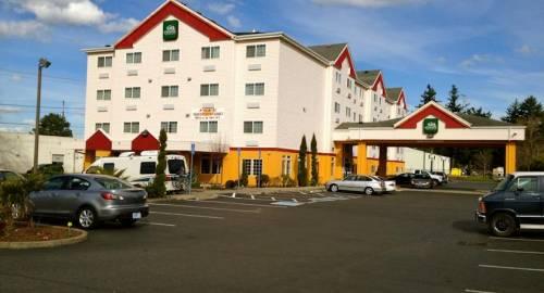 GuestHouse Inn & Suites Portland Gresham