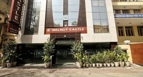WALNUT CASTLE