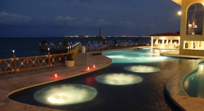 All Ritmo Cancun Resort & Water Park