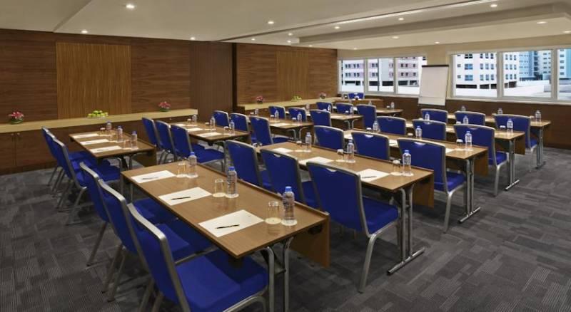 DoubleTree by Hilton Hotel and Residences Dubai – Al Barsha
