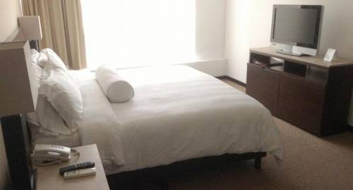 Ventura Hotel & Suites