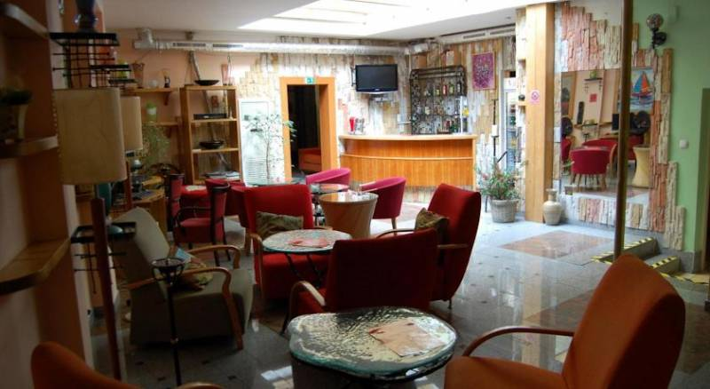 Gallery Hotel SIS