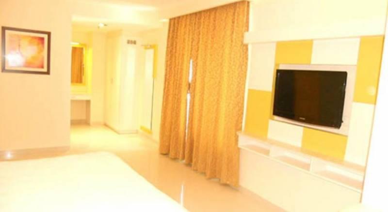 United 21 Hotel - Hyderabad