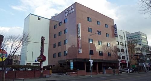 Brown Tourist Hotel