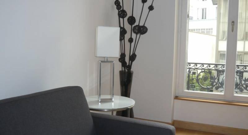 Bridgestreet Champs Elysées Deluxe Residence Apartments