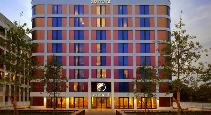 Element Frankfurt Airport Hotel
