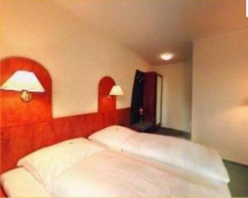 Falk Hotel