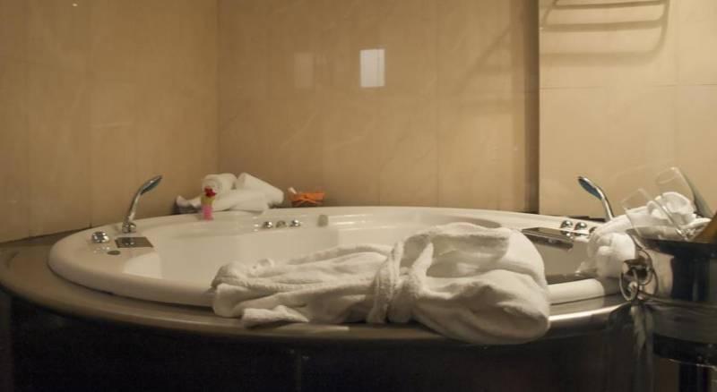 Anastazia Luxury Suites & Rooms