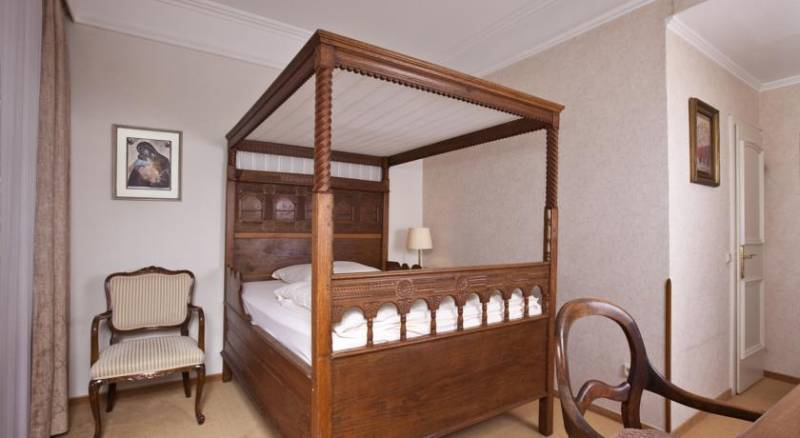 Antik Hotel Bristol