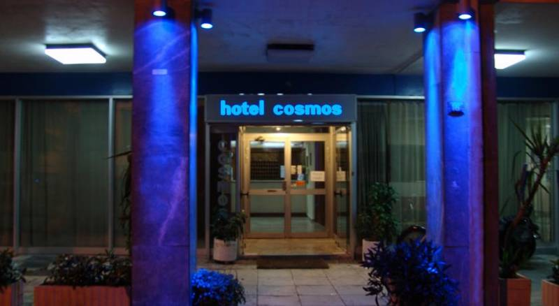 Hotel Cosmos