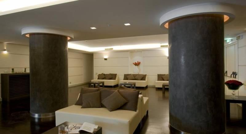Holiday Inn Naples
