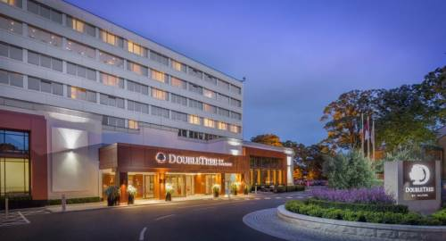 DoubleTree by Hilton Dublin Burlington Road