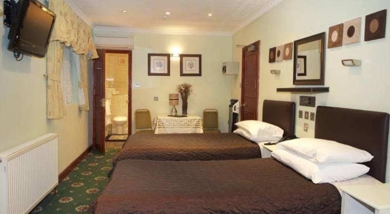 Kadimah Hotel