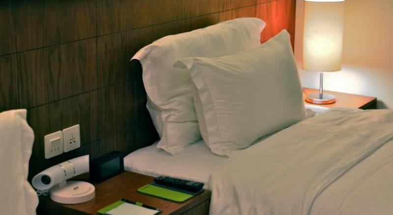 Oak Tree Emerald Hotel Semarang
