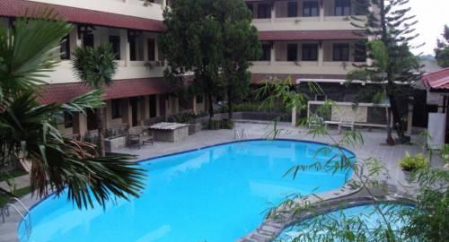 Cakra Kembang Hotel